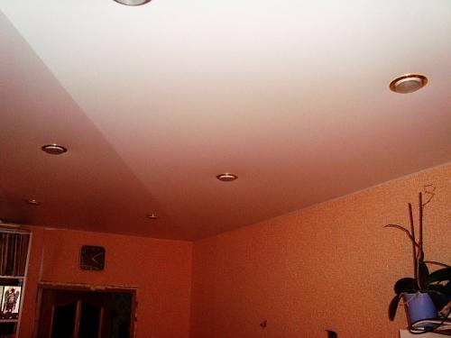 Натяжные потолки клин